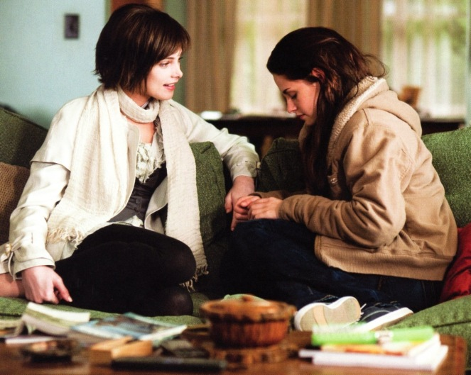 New-Moon-Stills-alice-and-bella-8465833-1543-1232